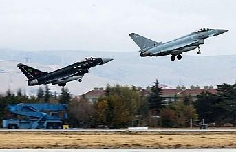Türk ve İngiliz Jetleri Birlikte Uçtu