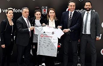Beşiktaş Kadın Futbol Takımı'na Vodafone Sponsor Oldu