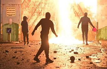 Kuzey İrlanda'da Şiddet Olayları Geri Döndü