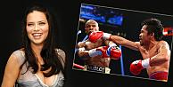 Adriana Lima, o boksörle fena dalga geçti