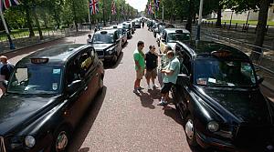 Akıllı telefon Londralı taksicileri sokağa döktü