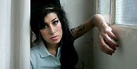 Amy Winehouseın ailesinden Amy filmine tepki