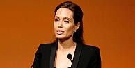 Angelina Jolienin Unbrokenın filminin tanıtım videosu