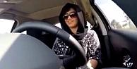 Araba kullanma yasağına boyun eğmeyen Suudi kadınlar serbest