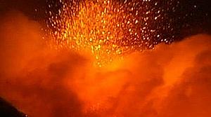 Avrupa'nın en büyük yanardağı faaliyete geçti