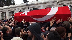 Cengiz Akyıldız'ın cenazesinde izdiham