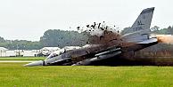 Diyarbakırda F-16 savaş uçağı düştü!