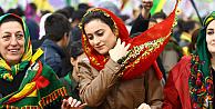 Diyarbakırda tarihi gün! Öcalanın Nevruz mesajı