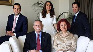 Ekmeleddin İhsanoğlu'nun aile fotoğrafı
