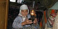 Emir Ayşe, gaz lambası ışığında bir ömür tüketti
