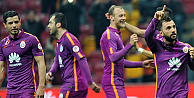 Galatasaray, Manisasporu 4 golle geçti