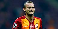 Galatasarayın yıldızı Sneijder imzayı attı!