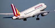 Germanwings uçağında ölenlere devlet töreni