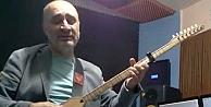 Halk müziği sanatçısı sahnede fenalaşarak hayatını kaybetti