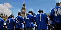 İngiliz Parlamentosu'nun önünde cuma namazı