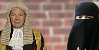 İngiltere'de yargıç peçe lehine karar verdi