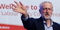 İşçi Partisi lideri Corbyn, Kraliçenin önünde diz çökmeyecek!
