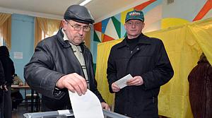 Kırım, referandum için sandık başında