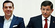 Komşu Başbakan Çipras, Davutoğlu'nu tebrik etti ve...