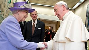 Kraliçe II. Elizabeth Papa ile görüştü