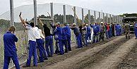 Macaristan, Sırbistan sınırını kapatıyor