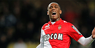Manchester United, Monacolu Martialı kadrosuna kattı