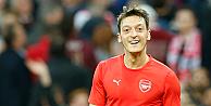Mesut Özil, Premier Lig'de ayın futbolcusu seçildi