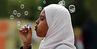 Müslümanların yarısı ayrımcılığa maruz kaldığına inanıyor
