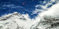 Nepal depremi Everestin yüksekliğini değiştirdi