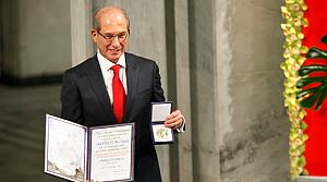 Nobel Barış Ödülü, Ahmet Üzümcü'ye takdim edildi
