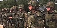 O ülkenin ordusu ilk defa imam istedi!