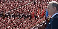 Putin'den, Zafer'in 70'inci yılında Kızıl Meydan'da gövde gösterisi