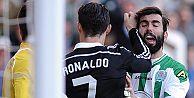 Ronaldo rakibine tekme attı, kırmızı kartı gördü