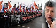 Rusyada binlerce kişi Nemtsov için yürüdü