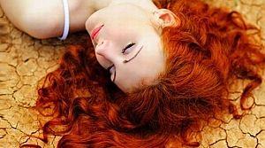 Sık saç yıkamak dökülme nedeni