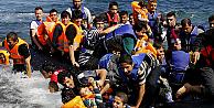 Suriyeliler IŞİDden değil rejimin bombardımanından kaçıyor