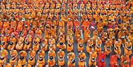 Tayland sokakları turuncuya büründü