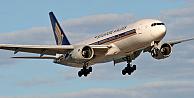 Uçakta internete giren yolcu şoke oldu!