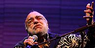 Ünlü şarkıcı Demis Roussos, hayatını kaybetti