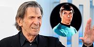 Uzay Yolunun Mr. Spockı hayatını kaybetti