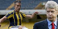 Van Persie'nin Fenerbahçe'ye gitmesi Wenger'i kızdırdı!