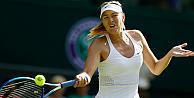 Wimbledonda seribaşı raketler sürprize izin vermedi