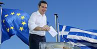 Yunanistanda bıçak sırtında referandum