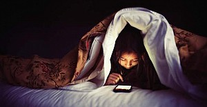 İnternet ve sosyal medya, insanların uykusunu çalıyor