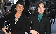 Hülya Avşar, Londra'yı terkeden Zehra için konuştu