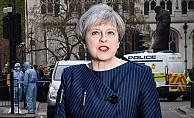 İngiltere Başbakanı May'den bıçaklı şüpheli açıklaması