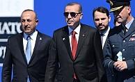 Daily Telegraph: Türkiye'nin NATO'dan kopmasına engel olmalı