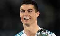Cristiano Ronaldo, ilişkisini tamamen kesti