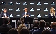 Cristiano Ronaldo, Juventus'a İmza Attı