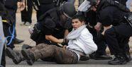 300 Protestocu Gözaltında